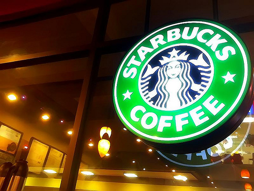 Starbucks settles suit