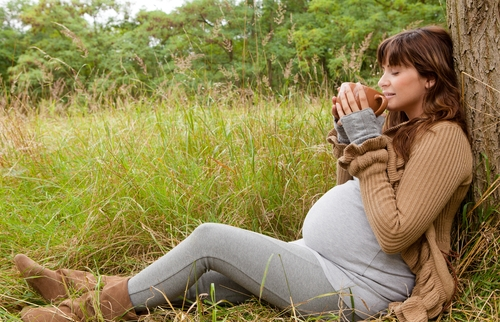 What's a Healthy Dose of Caffeine While Breastfeeding?